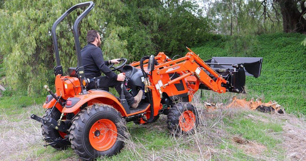 Tractor Kioti CK3010